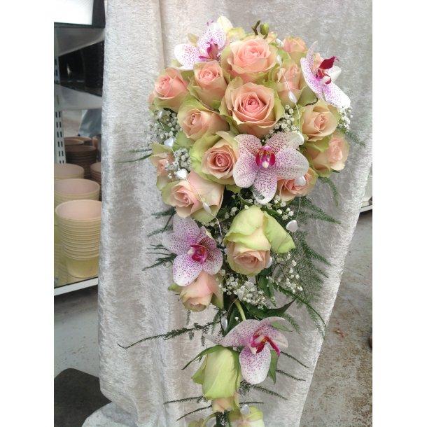 Rosa dråpeform brudebukett